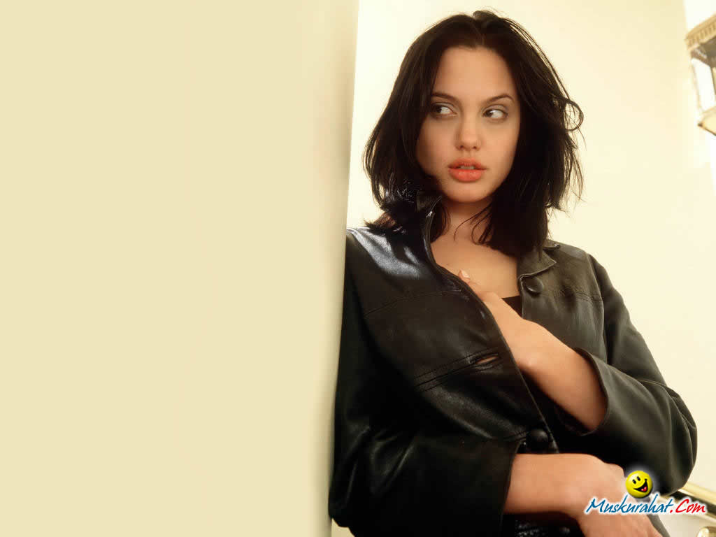 hot girl wallpaper: angelina jolie hot girl wallpaper