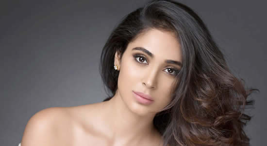 Alankrita Sahai HD Desktop Wallpapers