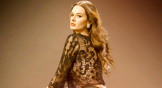Evelyn Sharma HD Desktop Wallpapers